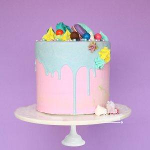 Valentine Pink Drip Cake