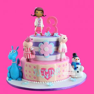 Doctora Juguetes Cake